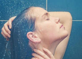 La forma correcta para lavarse el cabello