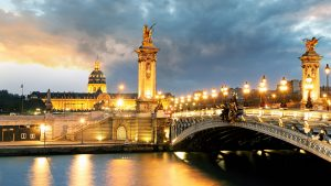 10 reasons for fall in love with Paris