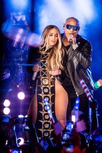 "Jennifer Lopez Sexy Performance of ""Ni Tu Ni Yo"" for the First Time"